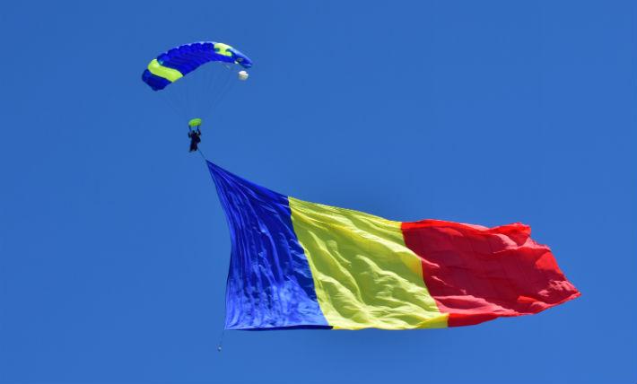 La mulți ani,ROMÂNIA!