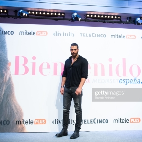"MADRID, SPAIN - NOVEMBER 26: Turkish actor Can Yaman attends ""Volverte a ver"" photocall on November 26, 2019 in Madrid, Spain. (Photo by Beatriz Velasco/WireImage)"